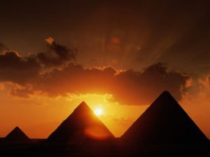 World_Egypt_Pyramids_at_sunset_007550_